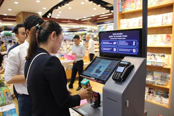 La première librairie intelligente de Hô Chi Minh-Ville voit le jour