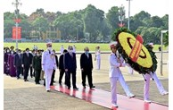 Hommage au Président Ho Chi Minh à l'occasion du 75e anniversaire de la Fête nationale