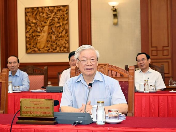 Poursuite des séances de travail entre le Politburo et des organisations du Parti relevant directement du Comité central