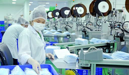 Le Vietnam exporte près de 850 millions de masques en 8 mois