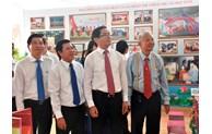 """Expo """"L'organisation du Parti de Ba Ria - Vung Tau avance sous le drapeau glorieux du Parti"""""""