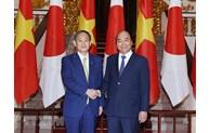 Entretien entre le Premier ministre Nguyen Xuan Phuc et son homologue japonais Suga Yoshihide