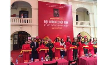 """Expo """"Général Le Duc Anh - Vie et carrière"""" à Hanoi"""