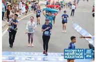 Marathon: 2.500 athlètes suivent la ligne bleue et embrassent Ha Long