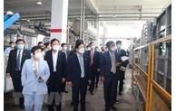 Le président de l'AN sud-coréenne visite des entreprises à Dông Nai