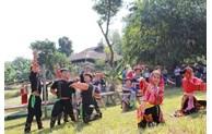 Hanoi: Découvrir la culture des ethnies minoritaires à travers «Villages et couleurs des fleurs»