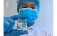 COVID-19: Injection de la 2e dose du vaccin Nano Covax à trois volontaires