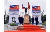 Inauguration de la statue du grand poète russe Pouchkine à Hanoï