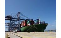 Le port Cai Mep Thi Vai reçoit un porte-conteneurs transportant les marchandises vers les Etats-Unis