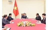 Le PM cambodgien formule ses félicitations au Premier ministre Pham Minh Chinh