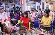 Le Nouvel An traditionnel du Cambodge, du Laos, du Myanmar et de la Thaïlande célébré à HCM-V