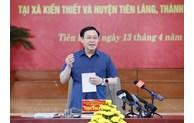 Le président de l'AN inspecte les préparatifs des élections à Tien Lang (Hai Phong)