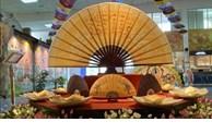 Une exposition présente le traditionnel festival Doan Ngo