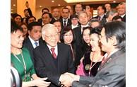 Conclusion du Bureau politique sur le travail lié aux Vietnamiens à l'étranger