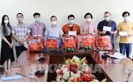 Hanoi soutient les étrangers touchés par le Covid-19