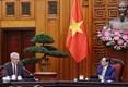 Le PM Pham Minh Chinh reçoit l'ambassadeur de France au Vietnam Nicolas Warnery