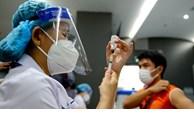 Le Vietnam envisage de vacciner les enfants contre le COVID-19 en octobre