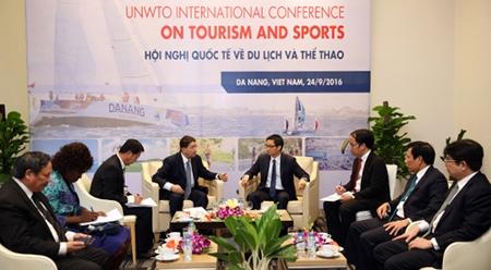 政府副总理武德儋会见世界旅游组织秘书长
