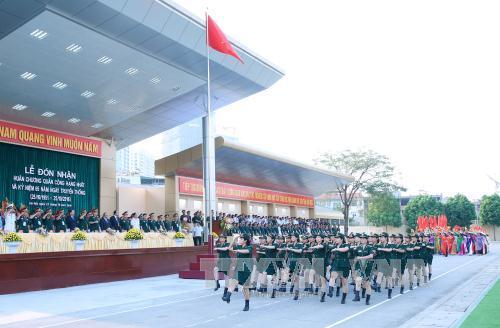 阮春福总理:政治学院每一位学员都应是军队单位中的典范政治干部