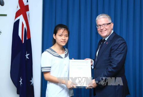 越南学生在澳大利亚数学竞赛中取得佳绩