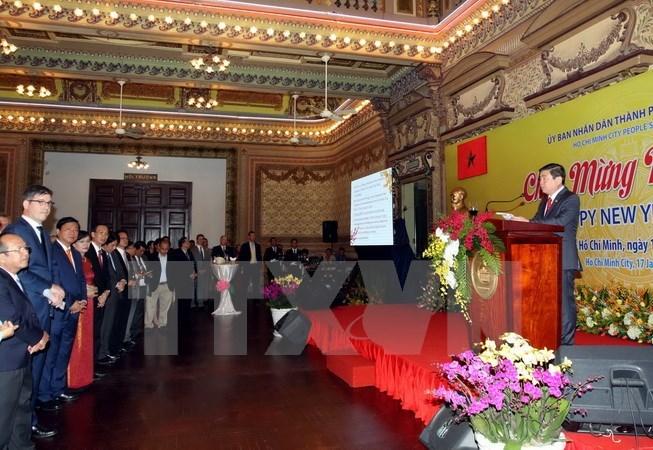 胡志明市领导会见各国驻胡志明市代表机构代表