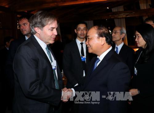 政府总理阮春福会见WEF执行董事菲利普•罗斯勒