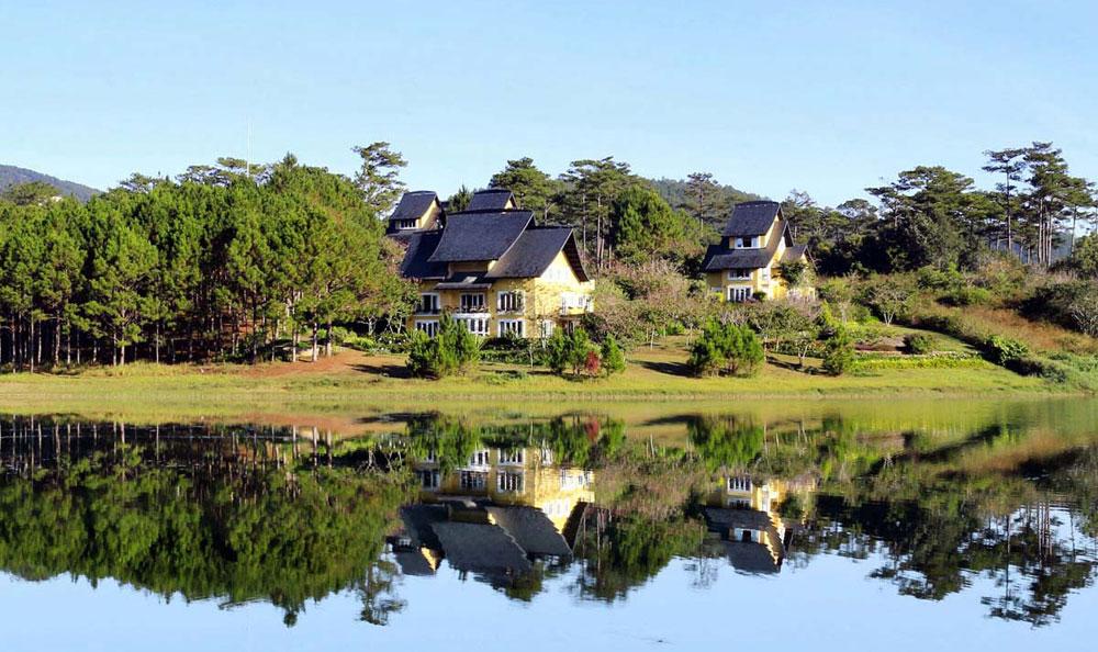 越南林同省大叻市泉林湖被公认为国家级风景区