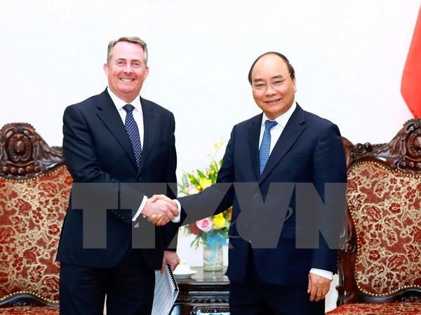 越南希望英国政府继续协助越南培养高素质人才
