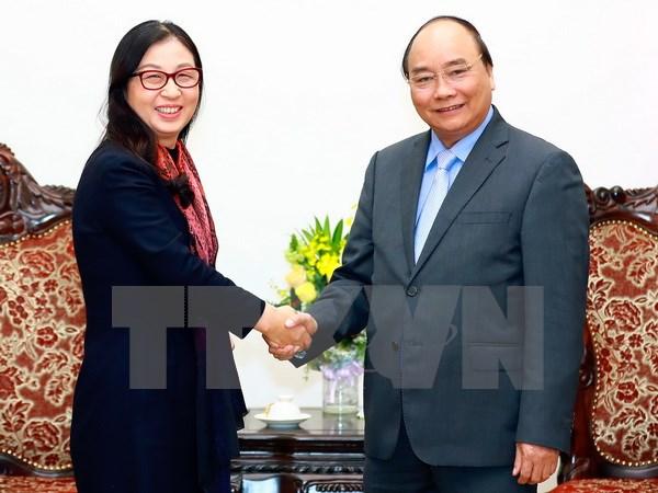政府总理阮春福会见中国华为集团董事长孙亚芳