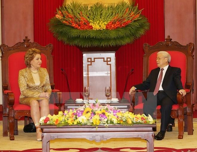 越共中央总书记阮富仲会见俄联邦委员会主席马特维延科