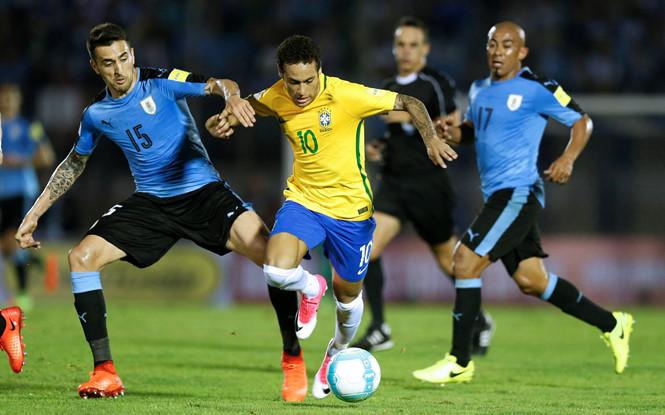 世预-暴力鸟帽子戏法内马尔传射 巴西4-1乌拉圭