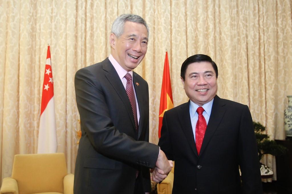 胡志明市领导会见新加坡总理李显龙