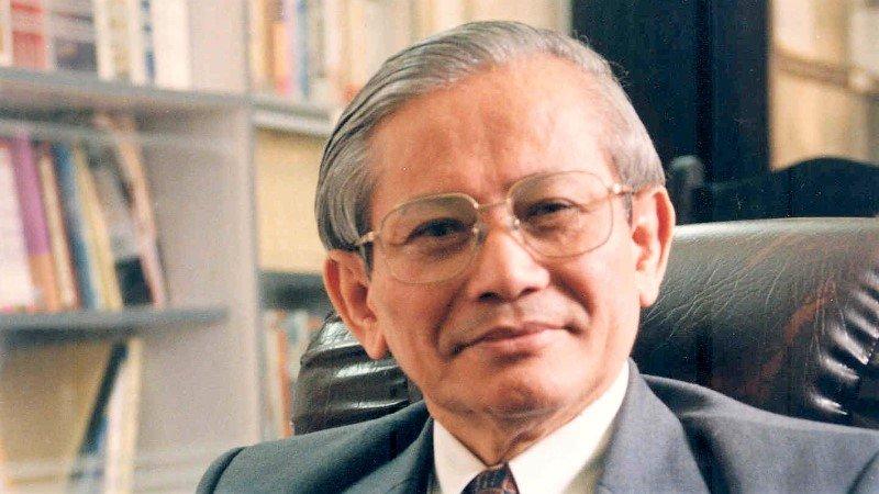 越南历史学家潘辉黎获法兰西铭文与美文学术院殊荣