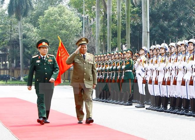 越南和古巴两国军队推进双边合作