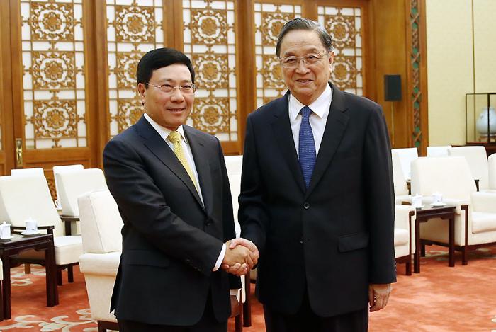 政府副总理范平明会见中国全国政协主席俞正声