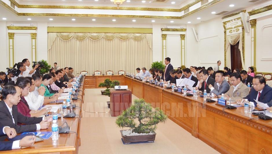 胡志明市加大与老挝中部三个省份的投资贸易合作力度