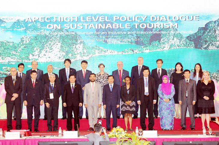 APEC 2017:通过关于发展可持续旅游的声明