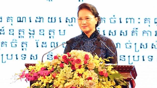 越南与柬埔寨建交50周年纪念大典在河内举行