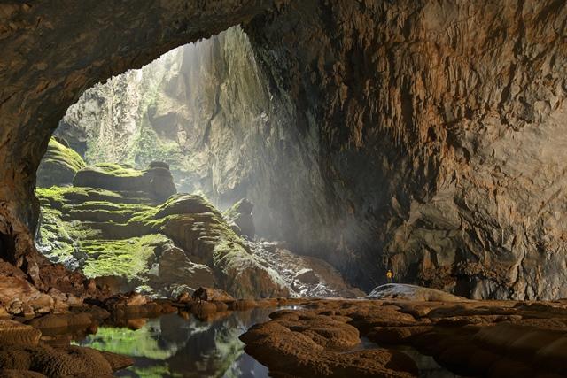 """越南韩松洞荣获""""世界最大和最美丽的自然洞穴""""称号"""