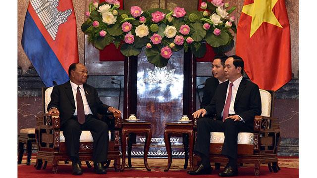 越南国家主席陈大光、政府总理阮春福会见埔寨国会主席韩桑林
