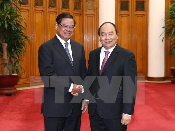 越南政府总理阮春福会见柬埔寨副首相兼内政部长韶肯