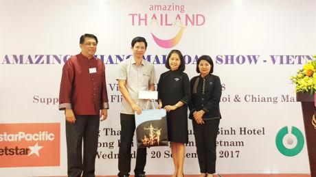 100家越南和泰国企业携手推广旅游