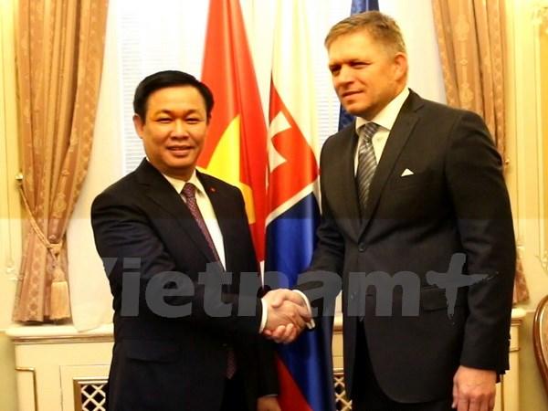 越南一向重视巩固与发展越斯关系