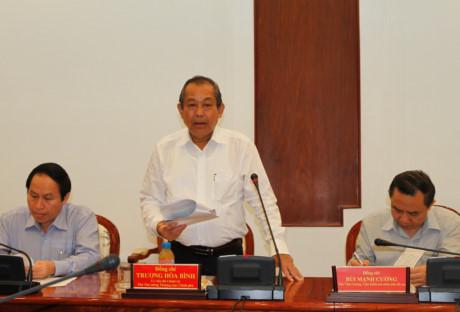 政府常务副总理张和平与胡志明市市委就司法改革问题进行座谈