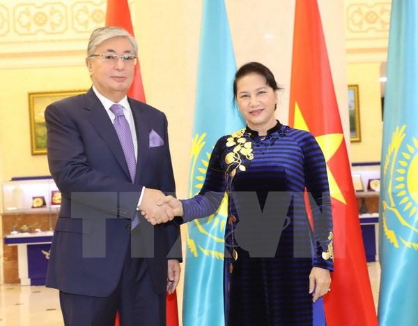 国会主席阮氏金银圆满结束对哈萨克斯坦的访问