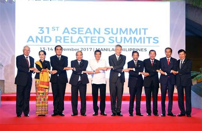 政府总理阮春福出席第31届东盟峰会系列活动(组图)