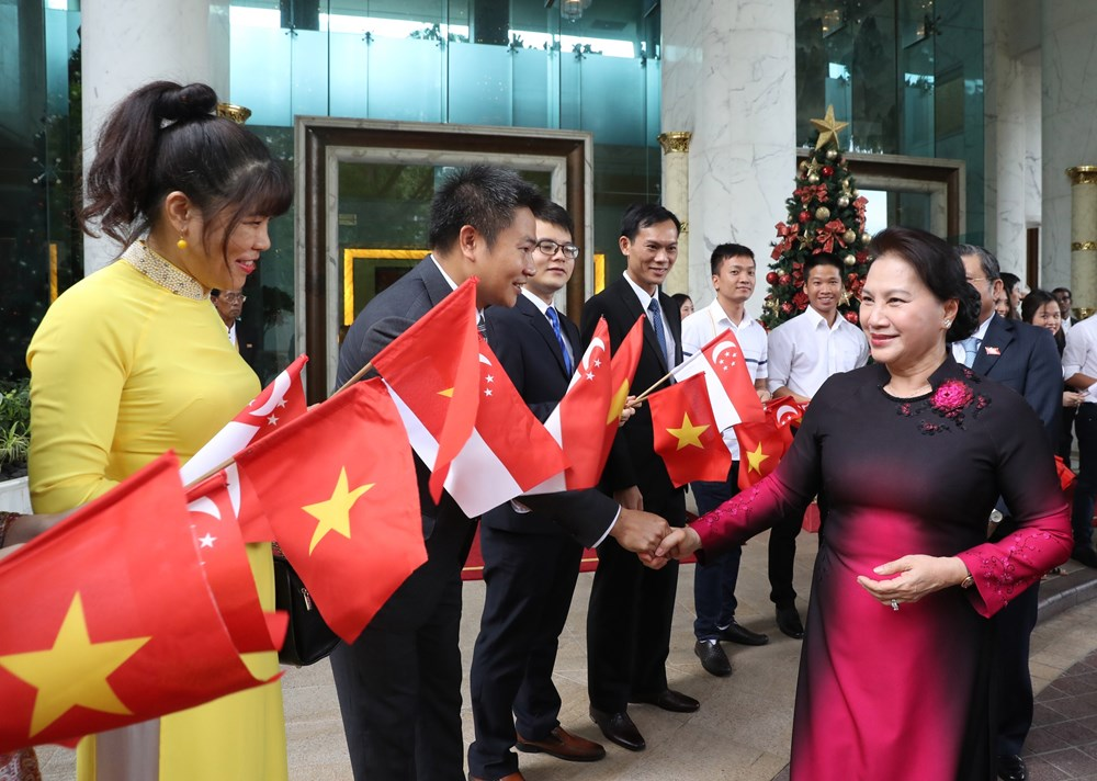 国会主席阮氏金银访问新加坡期间开展的系列活动(组图)