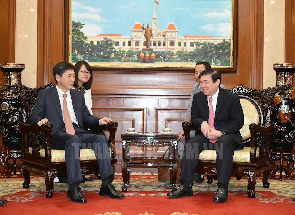 胡志明市希望与韩国推动经贸合作