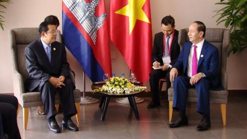 2017年APEC会议: 越南国家主席陈大光会见柬埔寨首相和韩国总统