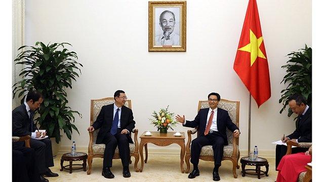 越南政府副总理武徳儋会见中国文化部长